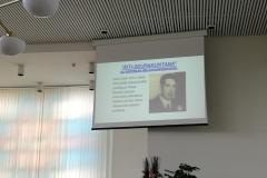 Seurakunnan historiikissa oli esillä seurakunnan perustajan Urho Lähteen kuva.