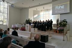 Seurakunnan kuoro lauloi pääosin forssalaisten tekemiä lauluja.