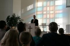 Tommi Hintsanen puhui juhlapuheessa Heprealaiskirjeen kohdasta: Jeesus Kristus on sama eilen, tänään ja iankaikkisesti.
